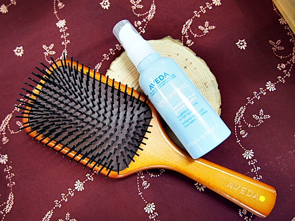 AVEDA-Paddle brush (2)