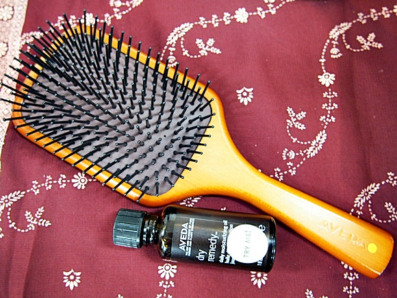 AVEDA-Paddle brush (5)