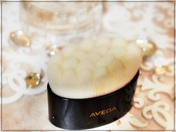 aveda-tulasara-brush (2)